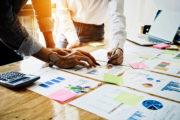 Qualitätsmanagement - Projektergebnisse werden durch Fachspezialisten geprüft